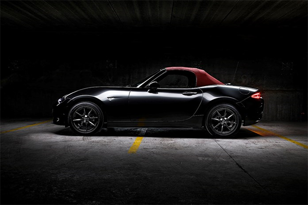 Mazda MX 5 Cherry Top