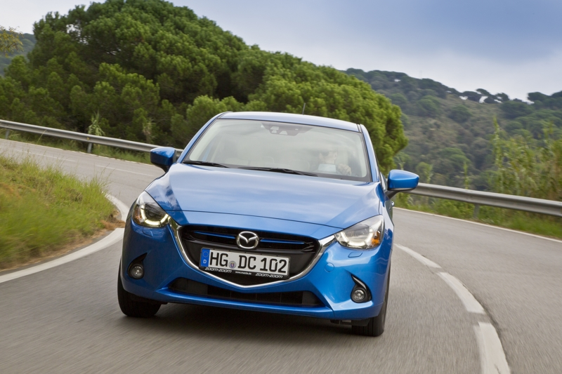 all-new mazda2 sp 2014 action 1