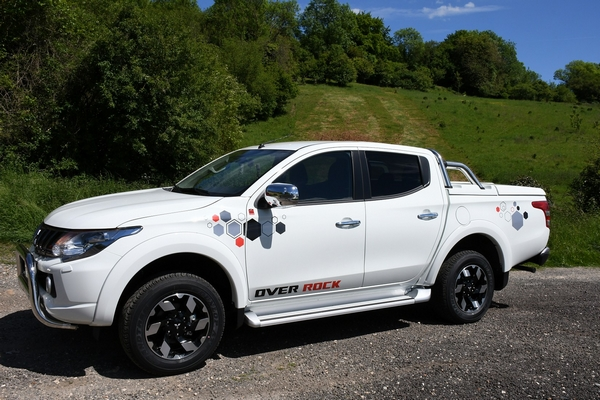 Mitsubishi L 200 Over Rock 8