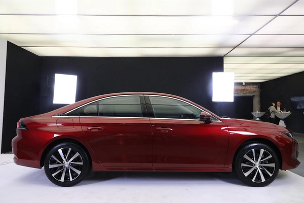 Dongfeng Peugeot 508 L 1