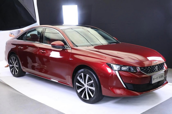 Dongfeng Peugeot 508 L 2