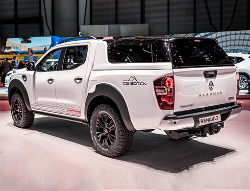 renault alaskan ice edition 2019 stand geneve 2 1