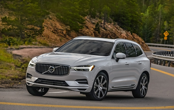 Volvo XC 60 car mondial of the year 2018 4