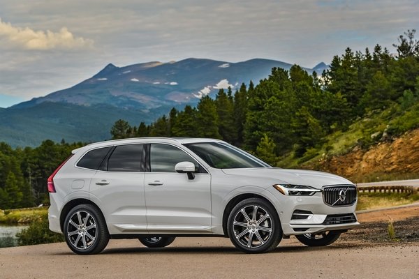 Volvo XC 60 car mondial of the year 2018 5