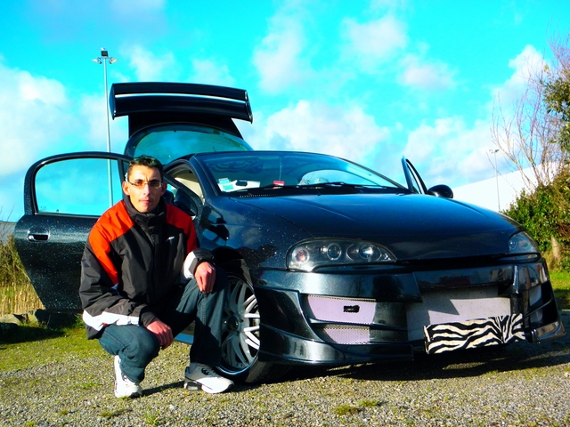 Jeremy et son Opel Tigra  photos  N. Lacassagne 6