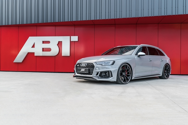 01 ABT RS4 front