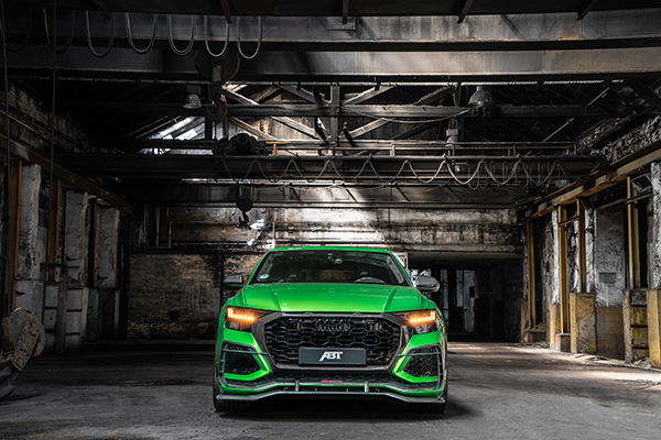 ABT RSQ8 R green HR23 building front