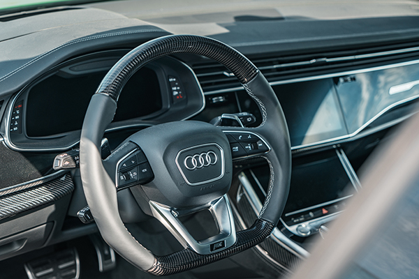 ABT RSQ8 R green steering wheel
