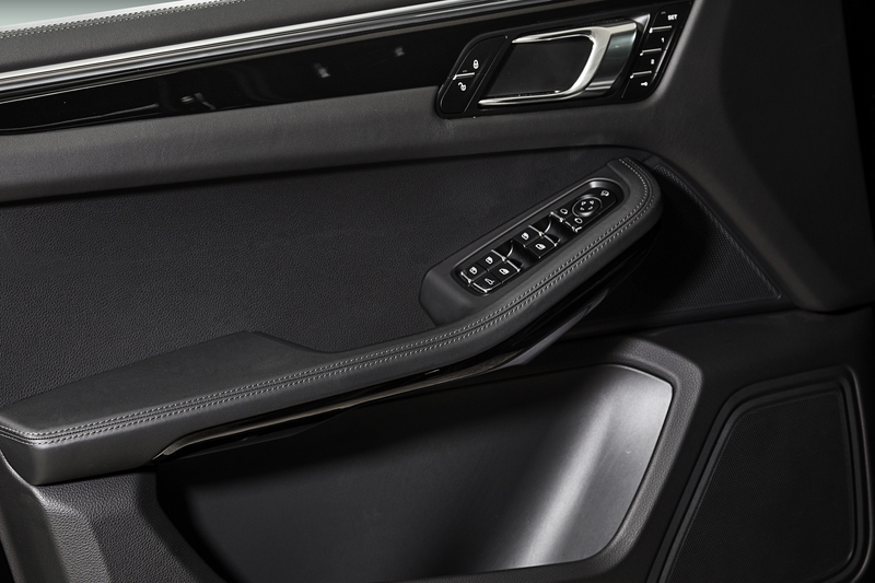 TECHART Interior for Porsche Macan 2